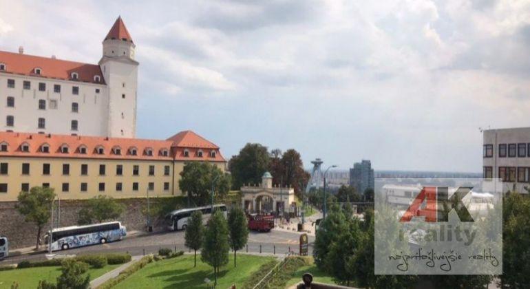 Prenájom 3 izbový byt Bratislava-Staré Mesto, Strelecká