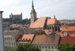 Prenájom 3 izbový byt Bratislava-Staré Mesto, Hviezdoslavovo námestie