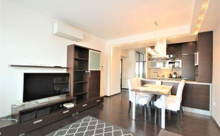 PRENÁJOM - kompletné zariadený klimatizovaný 3i byt v centre mesta, BA I.