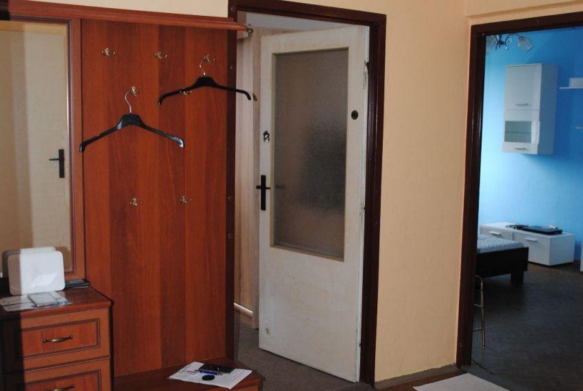 Prenájom 3 izbový byt Šahy-3