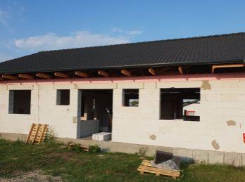Predaj 4.izb novostavby - bungalovu Svätoplukovo pri Nitre - uzavretý hrubá stavby