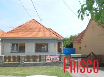 ZNÍŽENÁ CENA -Predáme rodinný dom s dvomi bytovými jednotkami v Brestovanoch