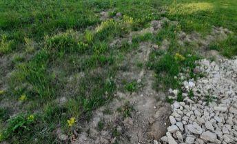 5,35 árový pozemok v obci Nitrianske Hrnčiarovce