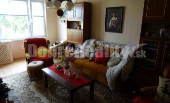 Ponúkame Vám na predaj veľký dvojizbový byt s balkónom v širšom centre Rimavskej Soboty