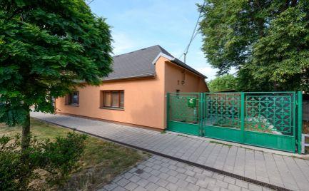 DOM-REALÍT ponúka na predaj rodinný dom v Rusovciach