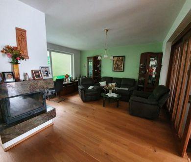 Exkluzívne iba u nás. Ponúkame na predaj krásny radový dom nachádzajúci sa v mestskej časti Hliny.