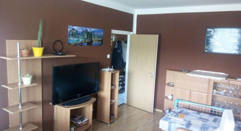 Predaj - 3 izbový byt s veľkou loggiou, Bratislava-Dúbravka, Landauova ulica