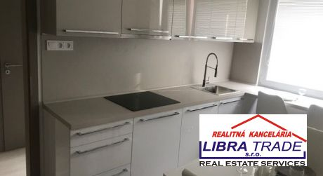 PREDAJ - Kompletne prerobený 3 izbový byt s loggiou v Bauringoch v Komárne