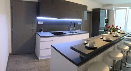 PREDAJ - Kompletne prerobený 2 izbový byt na začiatku VII. sídliska v Komárne