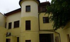 Pôvodný meštiansky dom na predaj, Vrátna ulica, Staré mesto - vhodný na podnikanie- REZERVOVANÝ