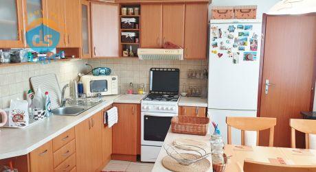 Na predaj zariadený byt 3+1 s balkónom, 68 m2, Dubnica nad Váhom, ul. Pod Hájom