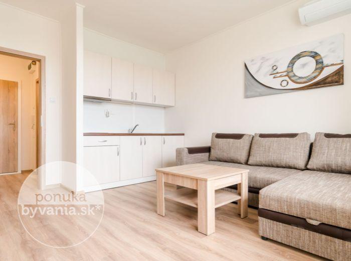 PRENAJATÉ - MLYNAROVIČOVA, 1-i byt, 28 m2 - ELEKTRIČKA, klimatizácia, LOGGIA, rekonštrukcia, PROVÍZIU NEPLATÍTE