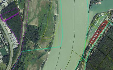 TOP PONUKA!!! Na predaj investičný pozemok 15.000 m2 pri vode  v Bratislave