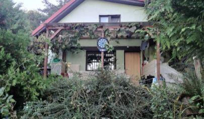 Predaj – Rekreačná chata so záhradou v krásnom prostredí pod lesom – Záhorská Bystrica - BA IV. TOP PONUKA!