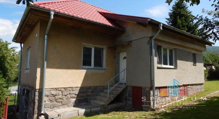 REZERVOVANE-Na predaj 2-izbový rodinný dom, 1100 m2, Podhradie, okres Prievidza