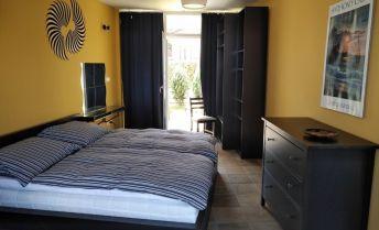 Ponúkame Vám na prenájom exkluzívny 2 izbový byt Bratislava-Staré Mesto, Okánikova