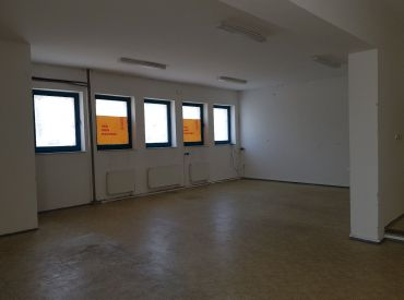 JJ Reality - Skladové a kancelárske priestory o výmere 124 m2  v Trnave /Skladová ulcia/