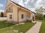 Neváhajte a bývajte v peknom 4 izb. dome s garážou a terasou, Dunajská Lužná