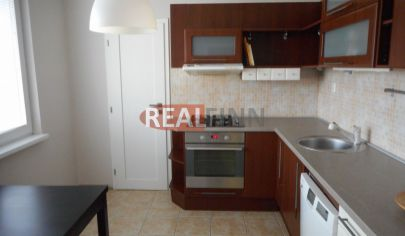 Realfinn- predaj 3 izbový byt s balkónom , JUH Nové Zámky