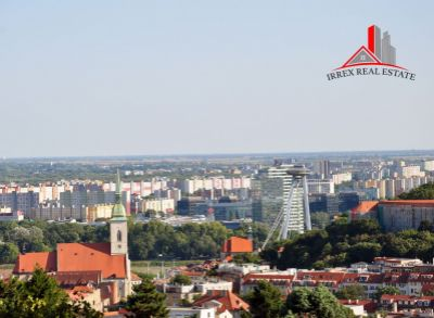 Hľadáme pre klienta 4-5 izbový byt v lokalite Staré mesto, Ružinov, Petržálka