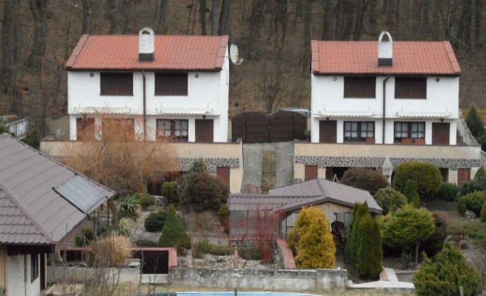 Na predaj dve chaty v krásnom malebnom prostredí Malých Karpát v obci  Lošonec časť Majdán.