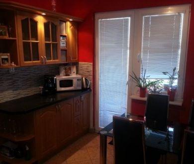 Ponúkame na predaj 3 izbový byt v Dubnici nad Váhom, 65 m2.
