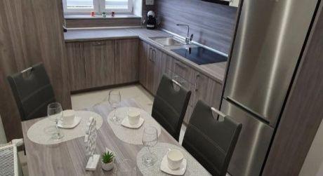 PREDAJ - Kompletne prerobený 3 izbový tehlový byt na II. sídlisku v Komárne NASŤAHUJ SA IHNEĎ!