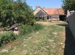 Stavebný pozemok so starším domom, 680 m2, všetky IS, Zohor, Dolná