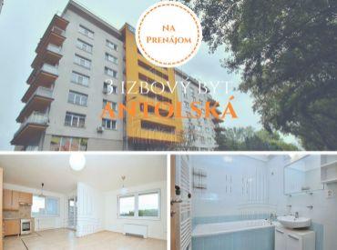 PRENÁJOM - 3 izbového bytu v novostavbe vrátane garážové státia na ulici Antolská