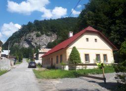 Dom na predaj v obci Staré Hory, časť Dolný Jelenec