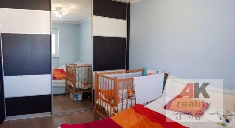 Predaj 4 izbový byt Bratislava-Nové Mesto, Pluhová ulica