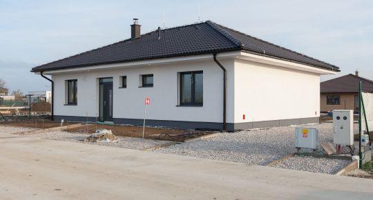 REZERVOVANÉ - (GA)_Predaj kvalitnej novostavby 4izb RD 109/137m2 Bungalov, oplot.pozemok 605m2