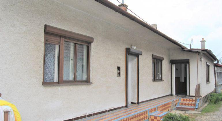 Realitná kancelária PEGAS REAL ponúka na predaj rodinný dom Borský Mikuláš, časť Borský Peter