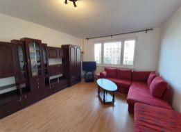 Veľký 1 izbový BYT V SENCI - CENTRUM, Hollého ul.