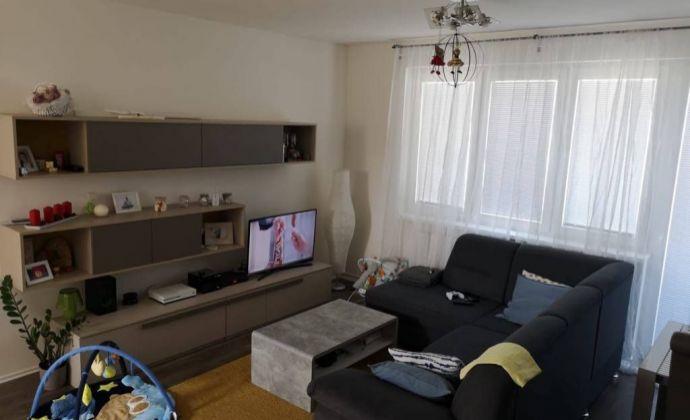 Slnečný 4 izbový byt s dvomi balkónmi a parkovaním Malý Raj