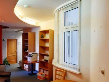 BA Špitálska – reprezentatívny kancelársky celok 210,25 m2 + 4 park. miesta (alebo 251,68 m2).