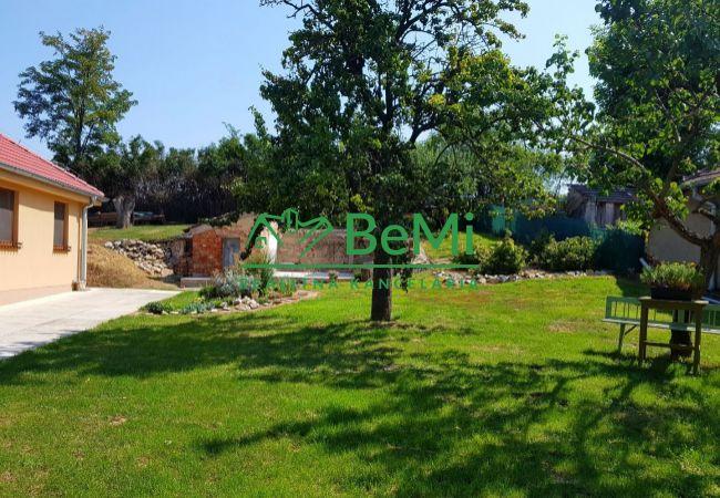 Na predaj 2izb. rodinný dom v obci Šurianky v malebnom a tichom prostredí(346-12-BP)