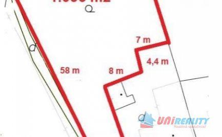BÁNOVCE  nad  BEBRAVOU – POZEMOK o výmere 1036 m2 / SUPER CENA  !!!/ vhodný na stavbu domu, príp. podnikateľské účely / TICHÁ LOKALITA