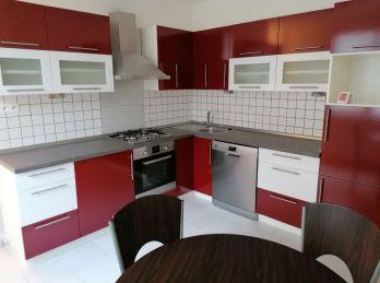 3-i byt, 76 m2 - dobrá občianska vybavenosť, KOMPLETNE REKONŠTRUOVANÝ, príjemné okolie, kúsok od centra