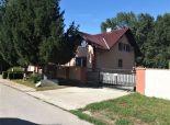 Veľký dom pre veľkú rodinu v kľudnom prostredí na 5,45á pozemku na okraji Bratislavy