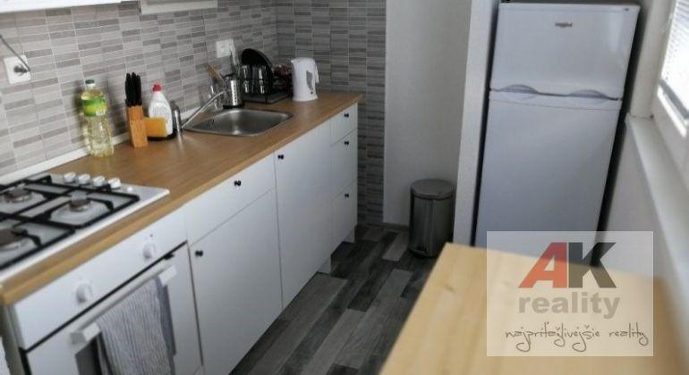 Predaj 1 izbový byt Bratislava-Podunajské Biskupice, Lotyšská ulica