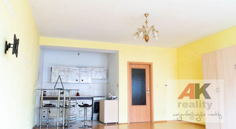 Predaj 1 izbový byt Bratislava-Petržalka, Budatínska ulica