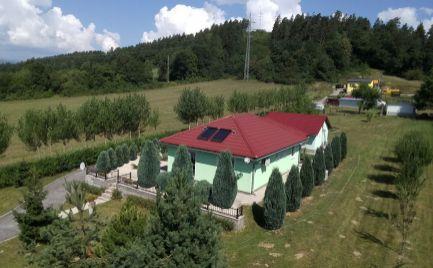Novostavba rodinný dom bungalov s veľkým pozemkom,  B. Bystrica Cena - 159 000€