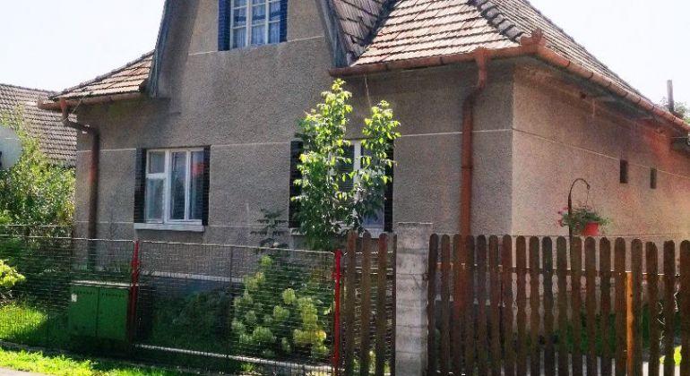 Predaj 2i RD- pôvodný stav- Livinské Opatovce / pozemok 1400m2