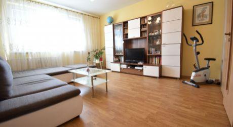 3 - izbový kompletne zrekonštruovaný byt  72 m2 Švabinského  - Petržalka