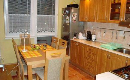 Veľký 3i byt v Závadke nad Hronom + zariadenie + garáž