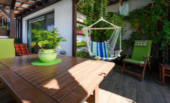 Ponúkame Vám na predaj ZARIADENÝ 3 izbový byt / 82 m2/ + terasa / 87 m2/ NOVOSTAVBA, plus státie, Hviezdoslavov.