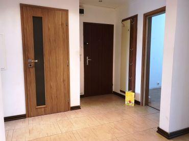 Na predaj 5+1 byt o výmere 95 m2 s balkónom - tichá lokalita - pekný výhľad - Nové Mesto n/V