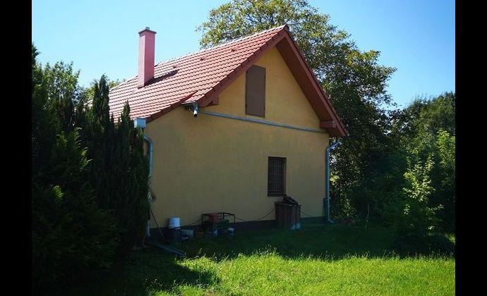 Malý rodinný domček na pozemku 2689 m2 v obci Jahodná okr. Dunajská Streda