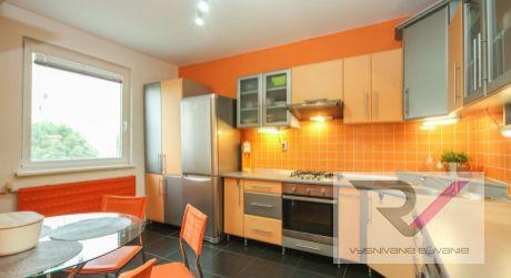 Na predaj kompletne zariadený 3 izbový byt - Dubnica nad Váhom